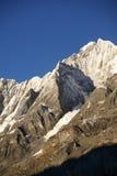 Jirishanca berg i höga Andes Arkivfoto