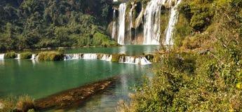 Jiulong vattenfall, yunnan landskap, Kina royaltyfria bilder