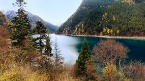 Jiuzhaigou nationalpark, Sichuan Kina Royaltyfria Bilder