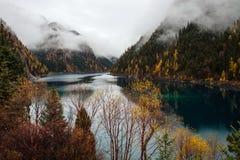 Jiuzhaigou obywatela Park_Long jezioro Zdjęcia Stock