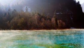 Jiuzhaigou ranek sen jezioro Zdjęcia Stock