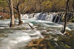 Jiuzhaigou shuzheng Wasserfall lizenzfreie stockbilder