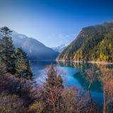 Jiuzhaigou Valley sceniskt och historiskt intresseområde Royaltyfri Foto
