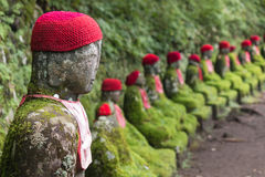 Jizo Statuen in Nikko stockfotos