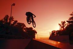 JJmp cykel Arkivfoton