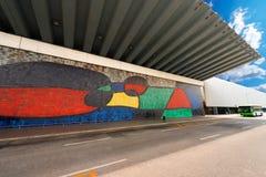 Joan Miro - grande pintura mural cerâmica - Barcelona fotografia de stock