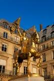Joan van boogstandbeeld, Plaats des piramides, Parijs Stock Afbeeldingen