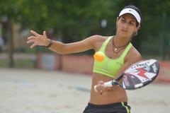 Joana Cortez på strandtennisvärlden Team Championship Royaltyfria Foton