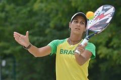 Joana Cortez på strandtennisvärlden Team Championship Royaltyfri Foto