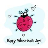 Joaninha engraçada com corações, cartão do dia do Valentim Fotos de Stock Royalty Free