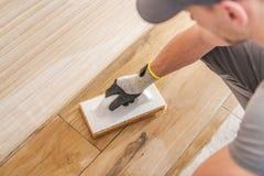 Jobbavslutning för keramiska tegelplattor fotografering för bildbyråer