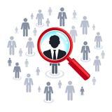 Jobsuche - Lupe, die Leute sucht Lizenzfreies Stockfoto