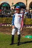 Jockey Posing op Paddockgebied in Del Mar Racetrack stock afbeelding