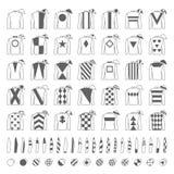 Jockeylikformig planlägg traditionellt Omslag, silke, muffar och hattar Ryttare på en häst nordlig pyatigorsk tävlings- russia fö Arkivbilder