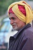Jodhpur, Inde - 2 janvier 2015 : Homme supérieur indien non identifié dans le village de Jodhpur Image libre de droits
