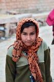 Jodhpur, India - Januari 2, 2015: Portret van Indisch meisje in een dorp in Jodhpur Royalty-vrije Stock Afbeelding