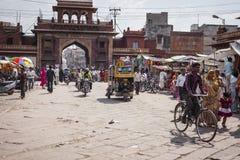 JODHPUR, INDIA - JANUARI 11, 2017: Het typische Indische stadsleven bij Royalty-vrije Stock Foto