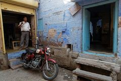 A tea and a motorbike, what else in Jodhpur Stock Images