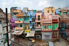 JODHPUR, INDIEN - 21. September: Traditionelle bunte Häuser auf Th lizenzfreie stockfotografie