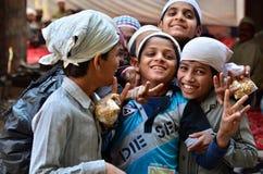 Jodhpur, la India - 1 de enero de 2015: Retrato de niños indios en Jodhpur, la India Fotografía de archivo
