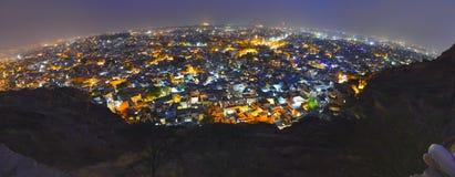 Jodhpur stad på natten royaltyfri bild