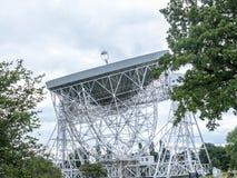 Jodrell banka Radiowy teleskop w wiejskiej wsi Cheshire Anglia Zdjęcie Stock
