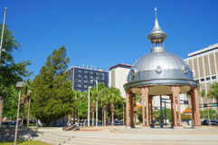 Joe Chillura Courthouse Square metallisk kupol, Tampa, Florida Royaltyfri Bild