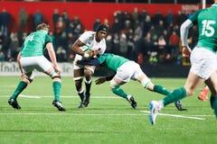 Joel Kpoku på under 20 sex nationmatch mellan Irland och England på Irish Independent parkerar arkivbilder