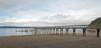 Joemma海滩国家公园皮吉特湾的码头和小船船坞在塔科马华盛顿附近 免版税图库摄影