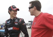 Joey Logano et Kyle Busch images stock