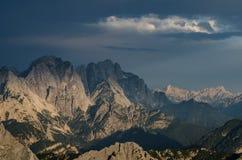 Jof Di Miezegnot en de piek van JÃ'f Fuart van Mangart-Pas, het nationale park van Triglav, Slovenië, Europa royalty-vrije stock afbeeldingen
