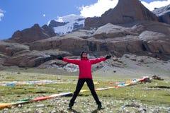 Joga blisko Wspina się Kailash himalajów pasma Tybet Kailas yatra Zdjęcia Royalty Free