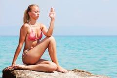 joga na plaży Zdjęcie Stock