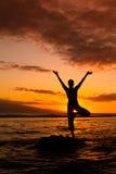 Joga oceanem Fotografia Stock