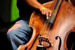 Jogador baixo dobro - jazz clássico Foto de Stock Royalty Free