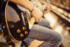 Jogador com guitarra Foto de Stock Royalty Free
