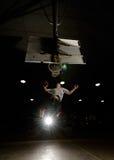 Jogador de basquetebol de salto imagens de stock