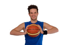 Jogador de basquetebol novo isolado no fundo branco foto de stock royalty free