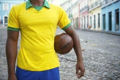 Jogador de futebol brasileiro Pelourinho Salvador Bahia Brazil Street fotografia de stock