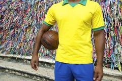 Jogador de futebol brasileiro Salvador Wish Ribbons do futebol foto de stock royalty free