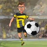 Jogador de futebol dos desenhos animados que corre para a bola ilustração do vetor