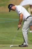 Jogador de golfe Padraig Harrington Putts Fotos de Stock Royalty Free