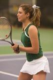 Jogador de ténis fêmea na posição pronta Foto de Stock Royalty Free