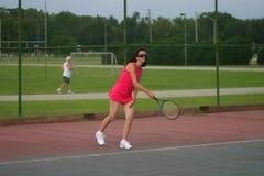 jogador de ténis sênior ativo Imagem de Stock Royalty Free