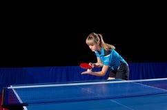 Jogador de tênis de mesa da menina isolado Foto de Stock Royalty Free