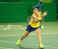 Jogador de tênis Elina Svitolina de Ucrânia na ação durante fósforo do círculo dos dobros o primeiro do Rio 2016 Jogos Olímpicos Imagens de Stock