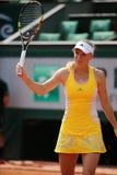 Jogador de tênis profissional Caroline Wozniacki de Dinamarca durante seu terceiro fósforo do círculo em Roland Garros Fotos de Stock Royalty Free