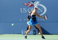 Jogador de tênis profissional Caroline Wozniacki durante o primeiro fósforo do círculo no US Open 2013 Foto de Stock Royalty Free