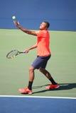 Jogador de tênis profissional Jo-Wilfried Tsonga de França na ação durante seu fósforo quatro redondo no US Open 2015 Foto de Stock