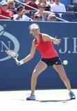 Jogador de tênis profissional Johanna Konta de Grâ Bretanha na ação durante seu terceiro fósforo do US Open 2015 do círculo Foto de Stock
